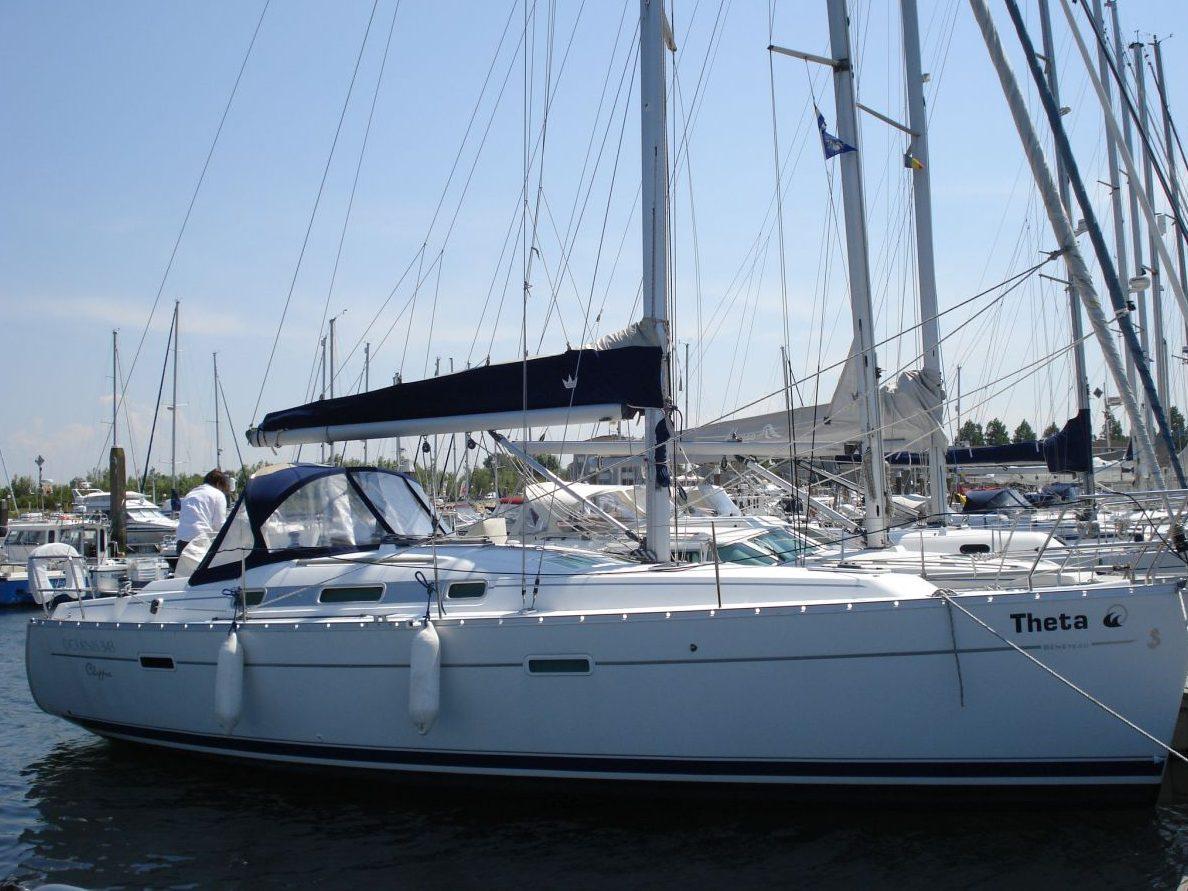 Aangemeerde Beneteau Oceanis 343 Lelystad Netyachting