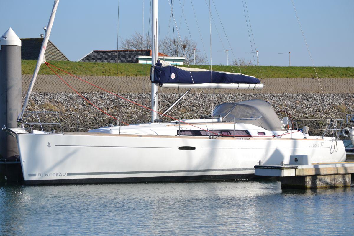 Beneteau Oceanis 37 In Jachthaven Wemeldinge Oosterschelde