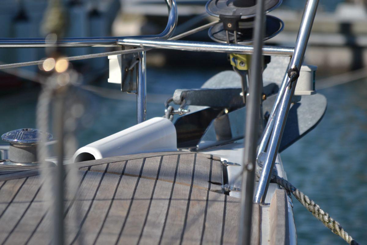Boeg Teak Dek Beneteau Oceanis 37 Jachthaven Wemeldinge Oosterschelde