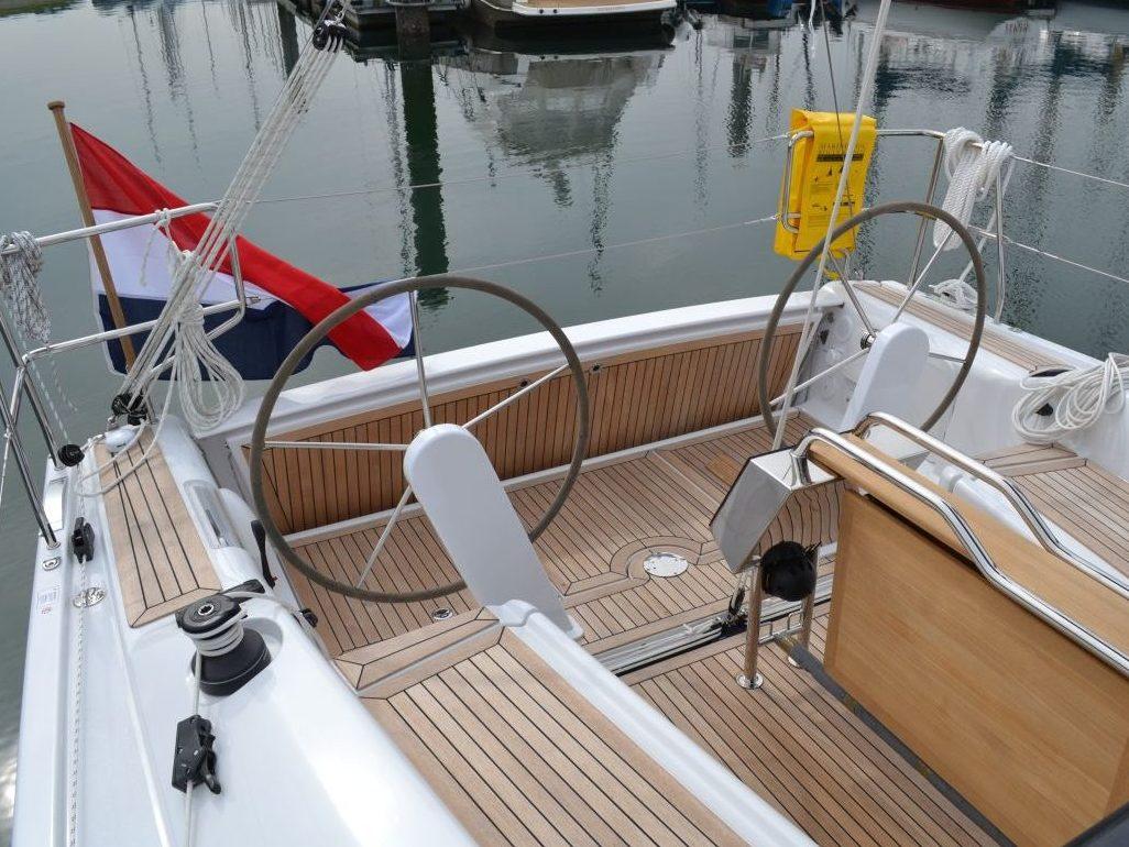 Dehler 38 Netyachting Jachthaven Bruinisse Grevelingen Kuip
