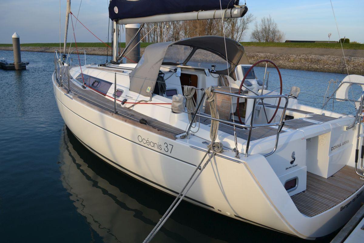 Flexibel Zeilen Met Een Beneteau Oceanis 37 Vanuit Jachthaven Wemeldinge Aan De Oosterschelde